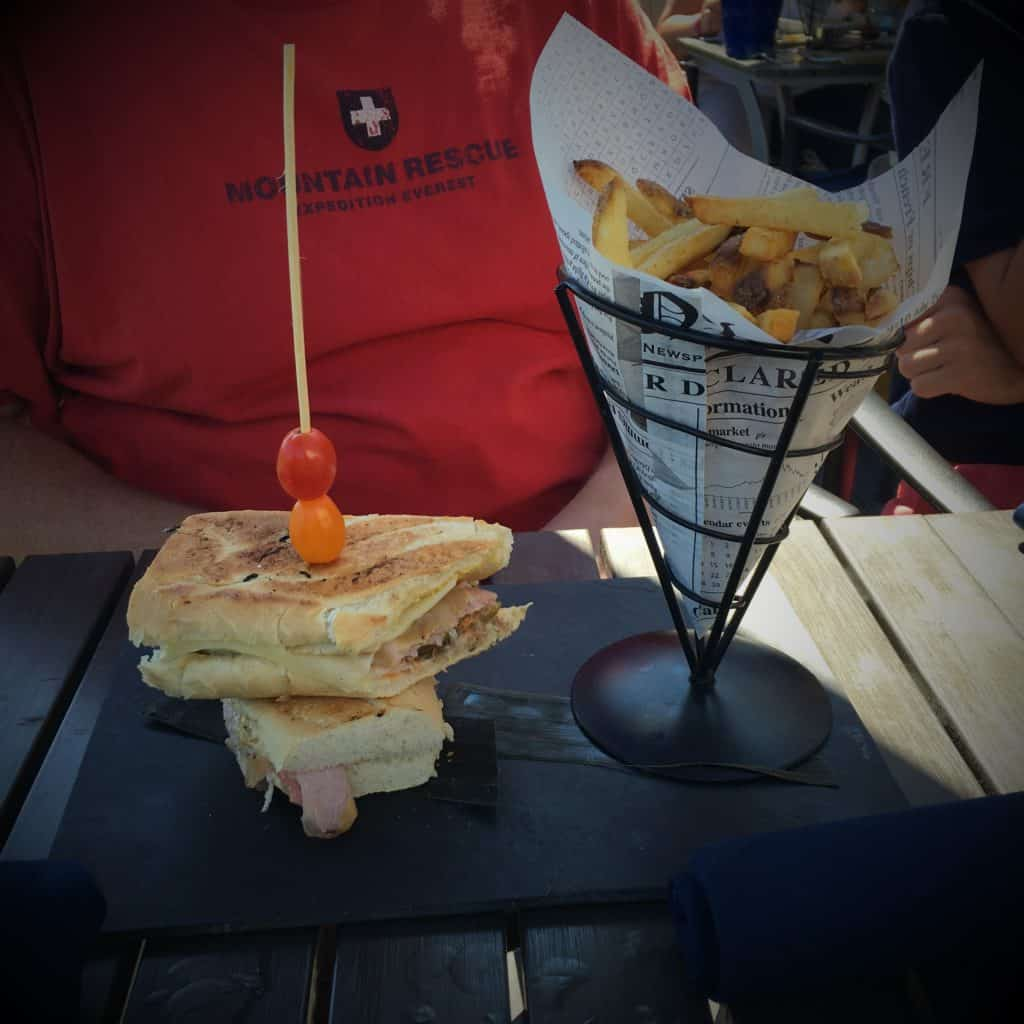 """The 9"""" Cuban at Tin Pan Alley ~ photo taken by T.M. Brown"""