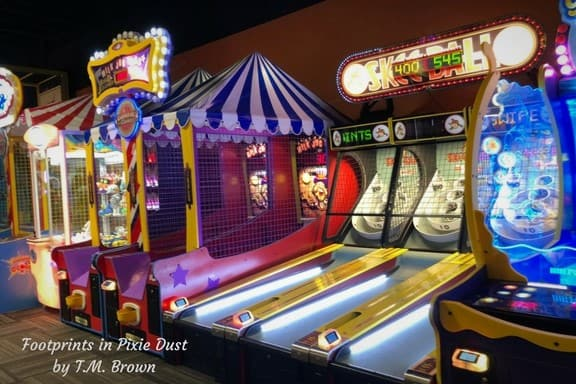 Game room at The World's Largest Cici's Pizza in Branson, MO: #BloggingBranson #StoneCastleFun #BBcousins #WorldsLargestCicisPizza #sponsored #footprintsinBranson
