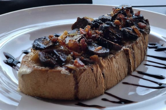 Fig & Bacon Toast from Marlow's Tavern ~ photo credit: Tina M. Brown