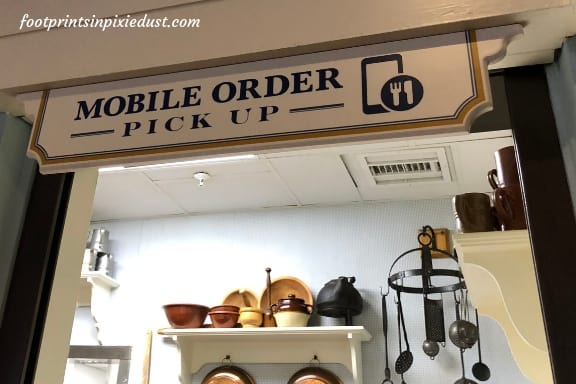Mobile ordering window at Liberty Inn in the American Adventure