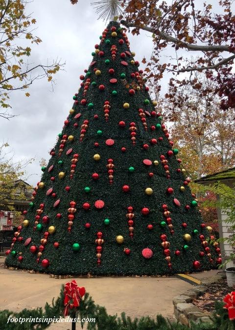 Christmas tree at Silver Dollar City