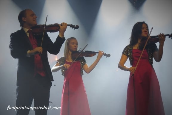 Hughes family violin trio