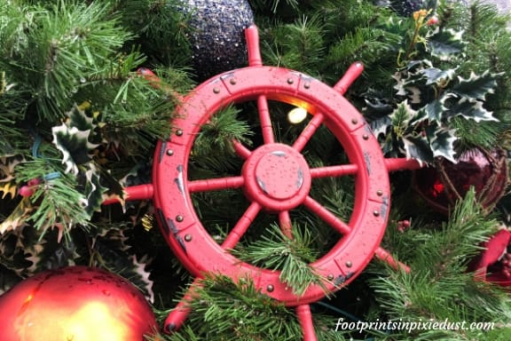 Ornaments on Tree at Showboat Branson Belle