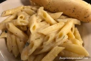Alfredo Pasta at Pasghetti's