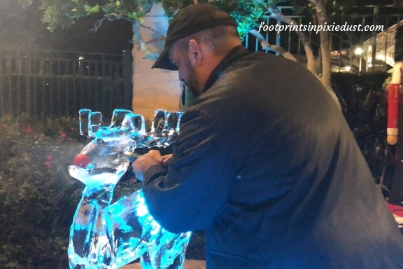 Ice Sculpting at Rosen Plaza