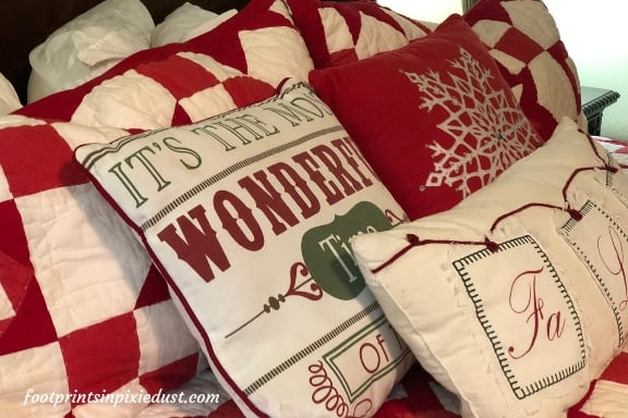 Stone Castle Hotel - Bedding in Andy Williams Christmas Extravaganza Suite
