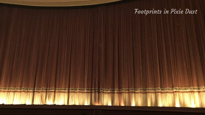 Dating Around World Showcase - Impressions de France theater