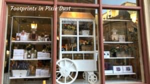 Dating Around World Showcase - Shop Window in France Pavilion