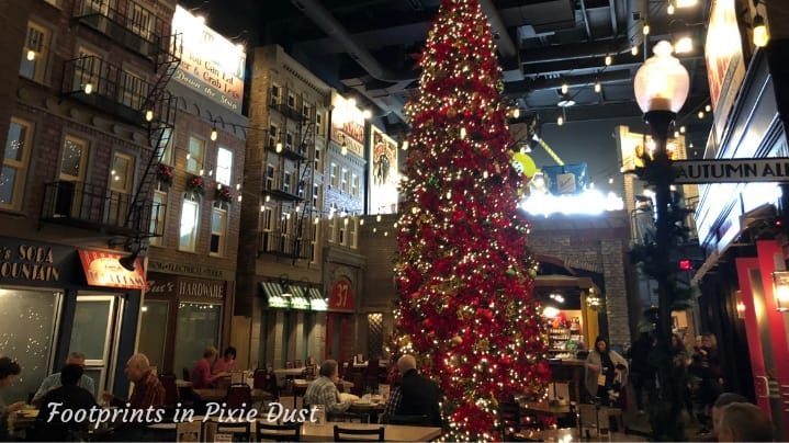 Pasghetti's Central Dining Room During the Holidays
