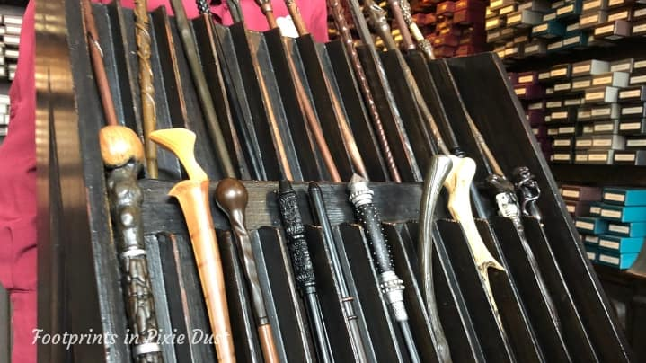 The Wizarding World of Harry Potter - Diagon Alley, Wands