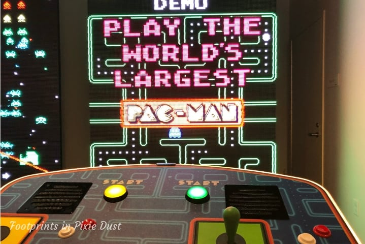 Gaylord Opryland Resort and Convention Center - The Basement, Largest Game of Pac-Man