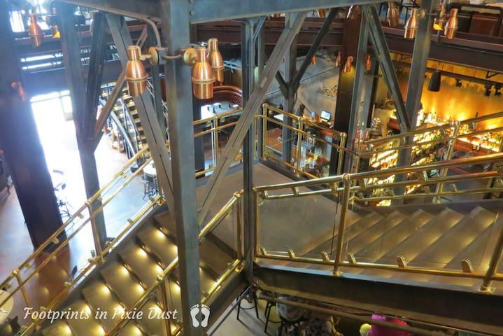 The_Edison_staircase