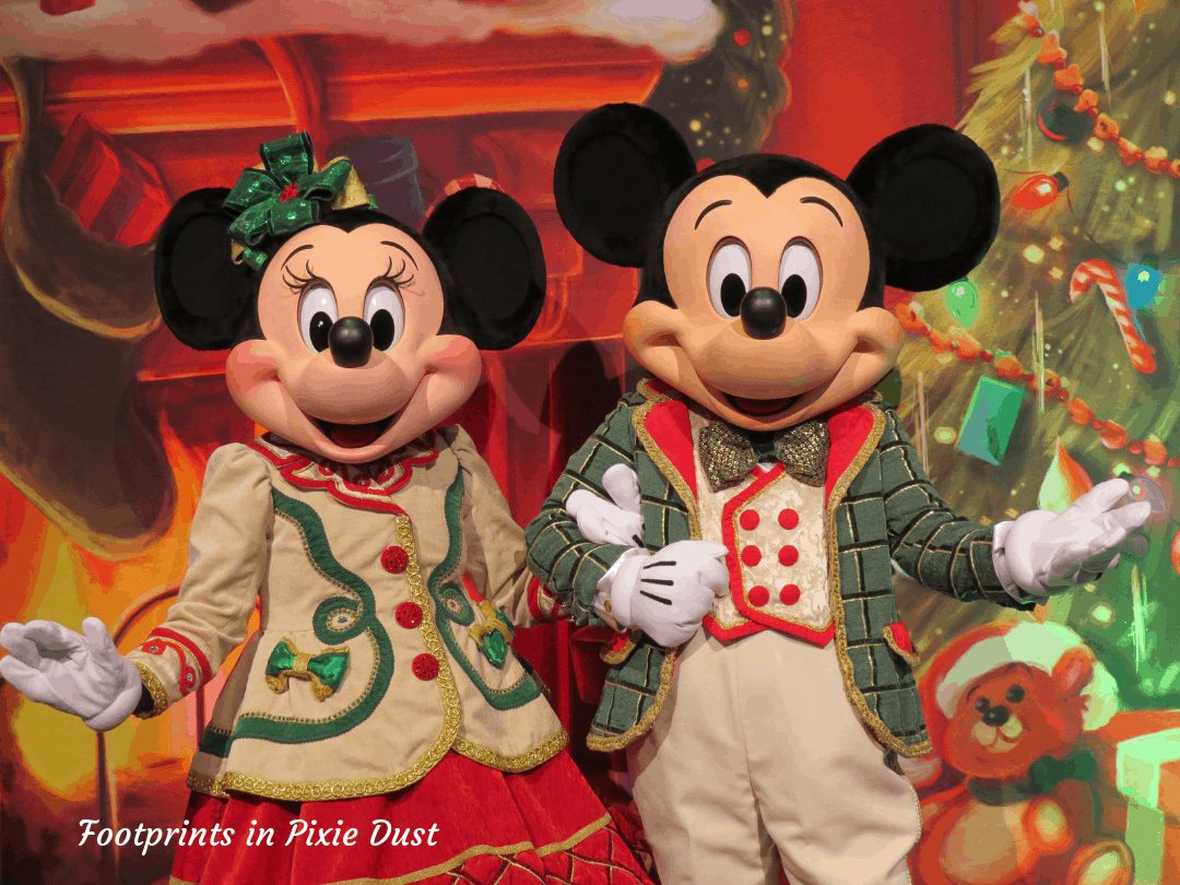 Disney Holidays - Christmas in July - Mickey and Minnie in Christmas Attire