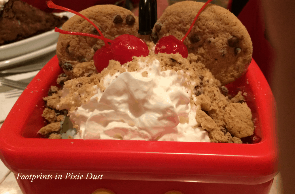 Food allergy friendly dessert at Walt Disney World ~ The Plaza Restaurant