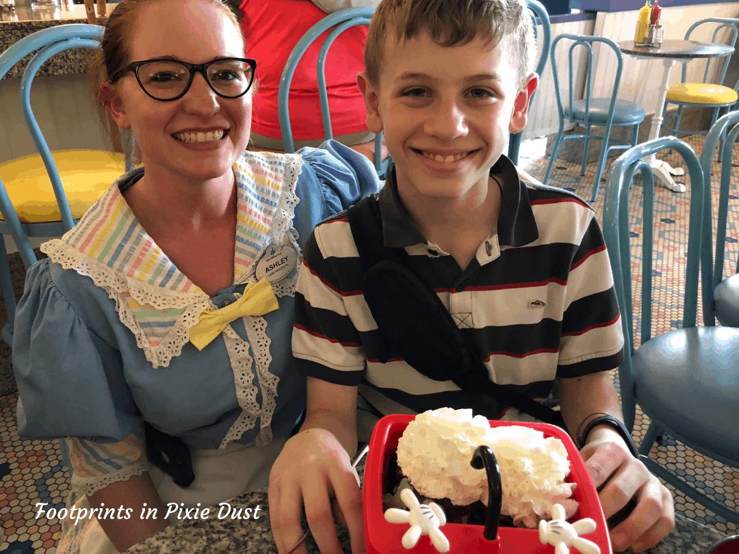 Food allergy friendly desserts at Walt Disney World ~ Beaches 'n Cream kitchen sink