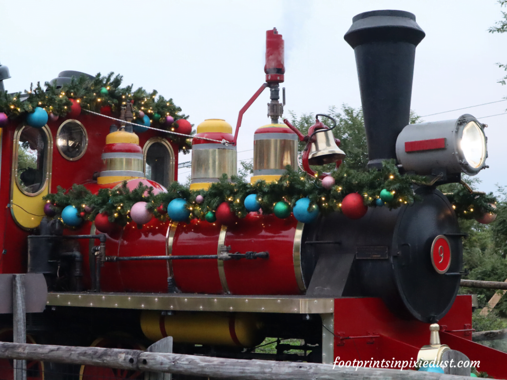 Busch Gardens Christmas Town Village - Christmas Sing-Along Train
