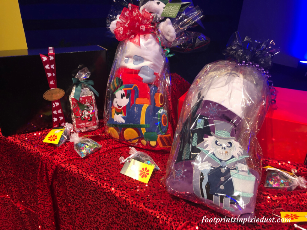 Epcot International Festival of the Holidays Preview - Disney Floral and Gifts