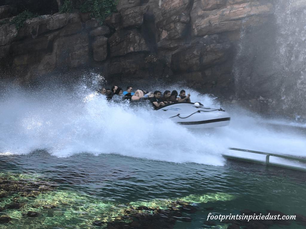 Universal Studios Hollywood - Jurassic World - The Ride