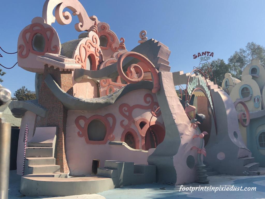 Universal Studios Hollywood - World Famous Studio Tour - Whoville