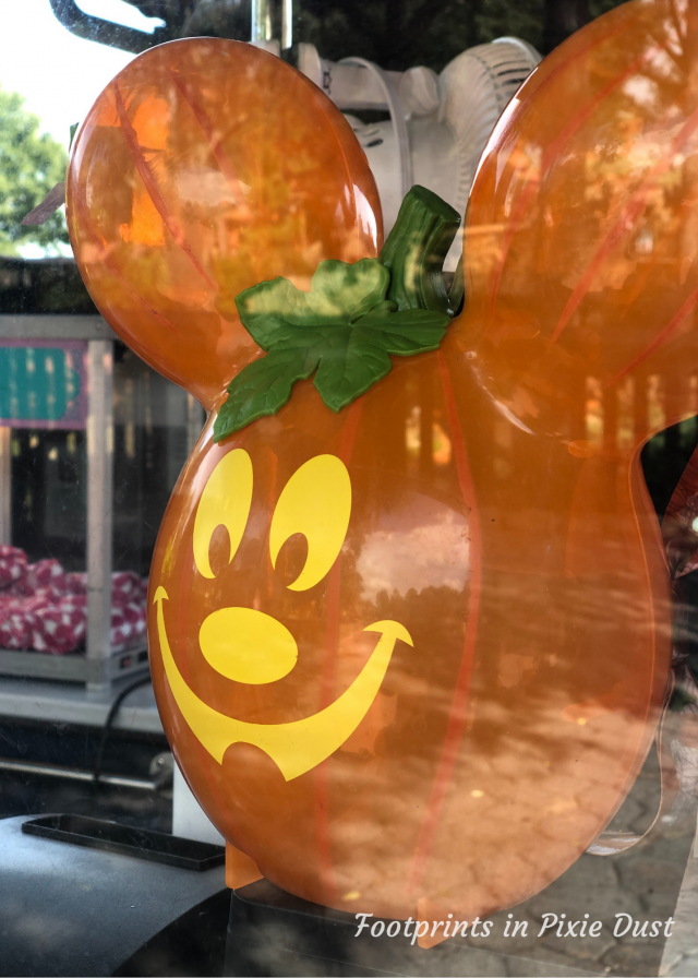 MK Fall Treats 2020 - Pumpkin Mickey Novelty Popcorn Container