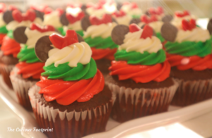 Magic Kingdom 2020 Holiday Treats ~ The Confectionary Cupcakes