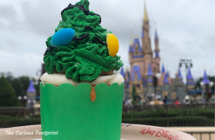 Magic Kingdom 2020 Holiday Treats ~ Twice Upon a Cupcake